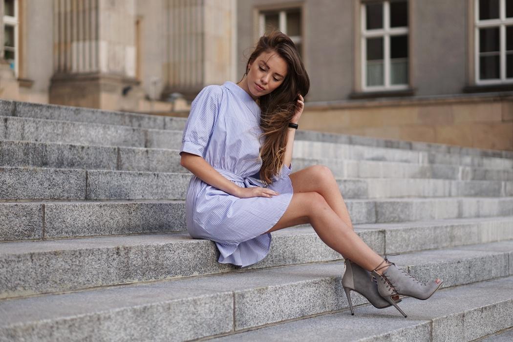 TREND 2016 - odsłonięte ramiona i koszulowa sukienka
