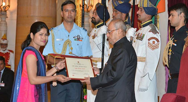राष्ट्रपति पुरस्कार से सम्मानित गरीबों की मसीहा स्मिता तांडी के साथ ट्रेन में छेड़खानी