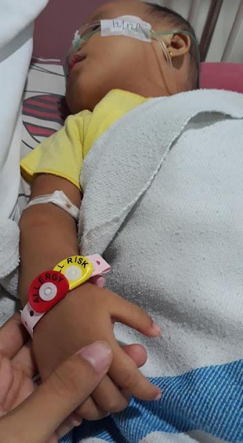 Miris! Karena Asap Rokok Sang Ayah, Bayi Ainaa Derita Penyakit Broncopneumonia