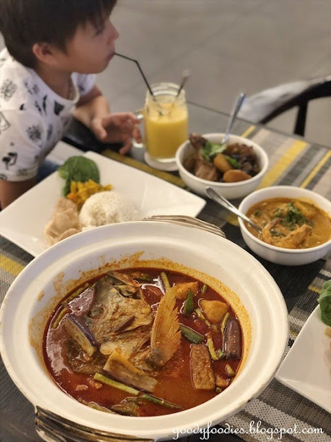 Makan Nyonya, Estadia Melaka - Nyonya Fish Head