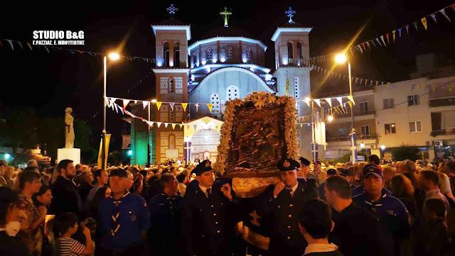 Με θρησκευτική λαμπρότητα η εορτή των Αγίων Κωνσταντίνου και Ελένης στο Ναύπλιο (βίντεο)