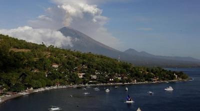 Kabar Berita Terbaru Hari Ini Gunung Agung Kembali Erupsi, Tinggi Kolom Abu Tak Teramati