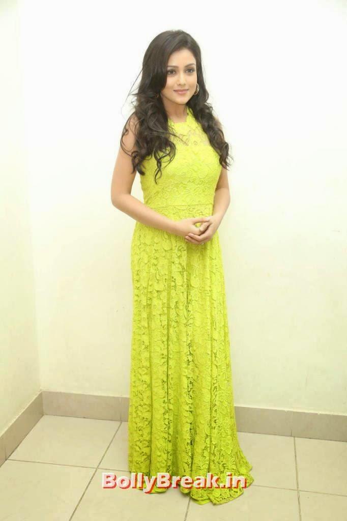 Actress Mishti Chakraborty Latest Stills, Mishti Chakraborty hot Hd Images in Green Dress