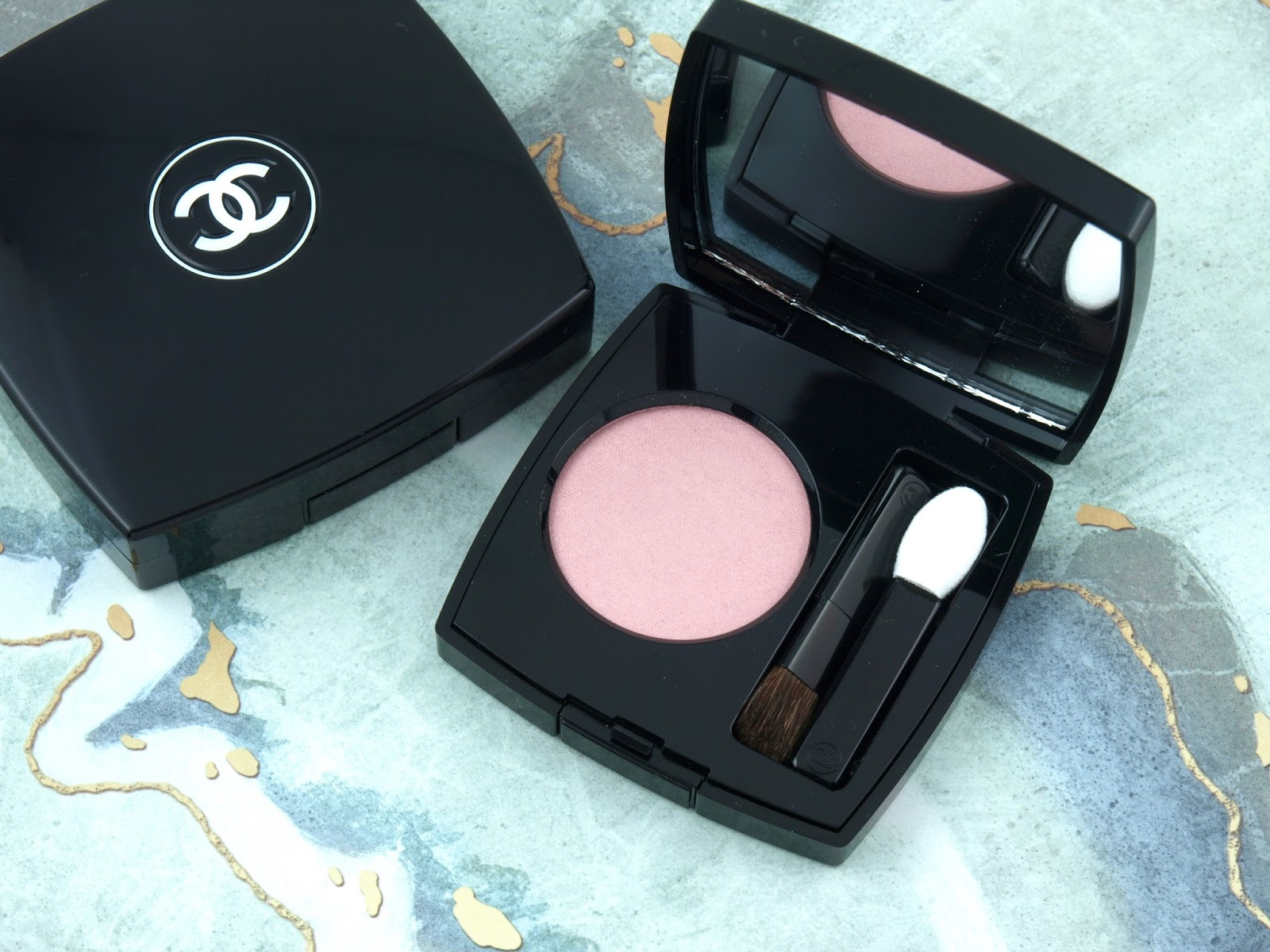 "Chanel | Spring 2018 Dernières Neiges de Chanel Collection | Ombre Premieres in ""52 Blooming Rose"": Review and Swatches"