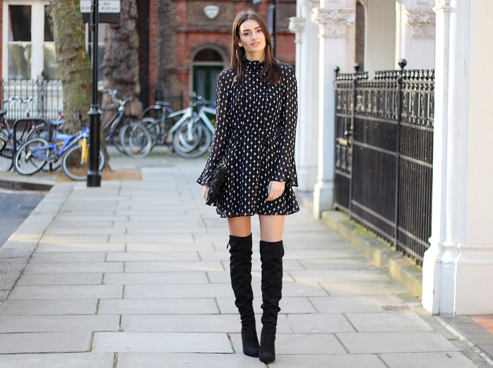 peexo fashion blogger wearing monochrome outfit
