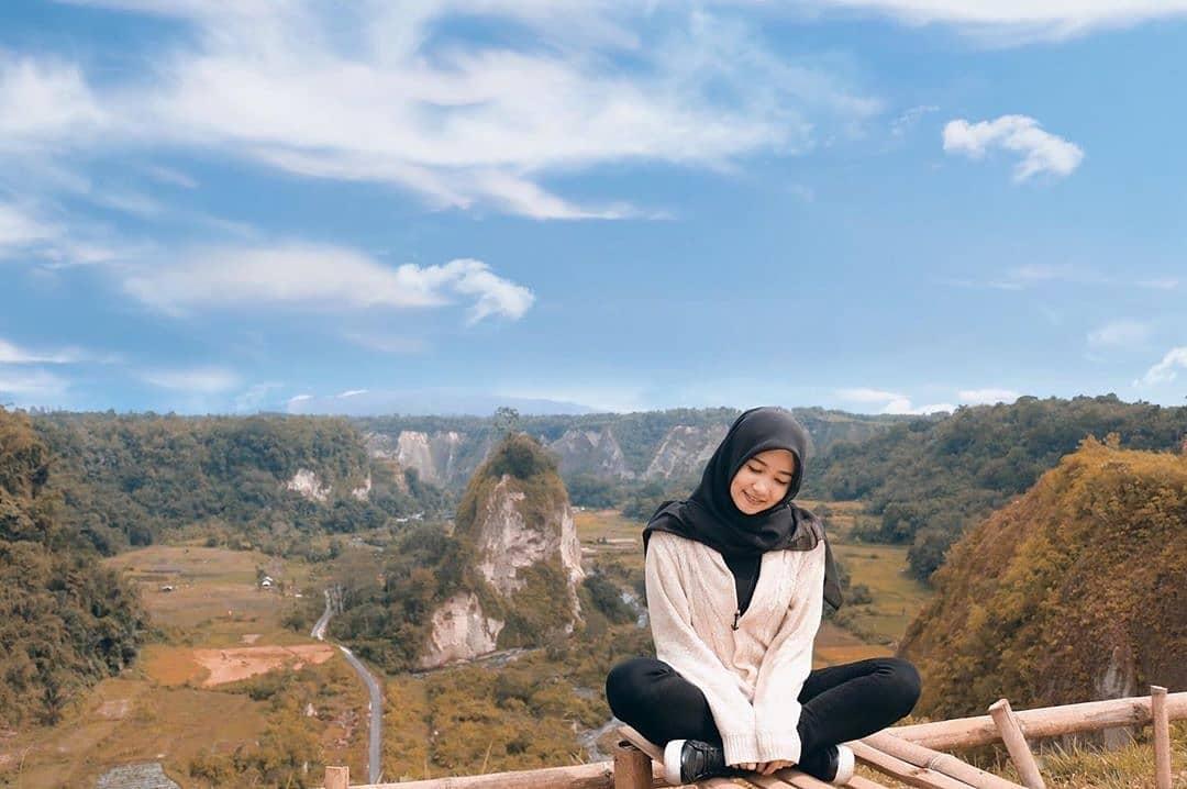 Lokasi dan Foto Wisata Ngarai Sianok Patahan Sumatera di Bukittinggi