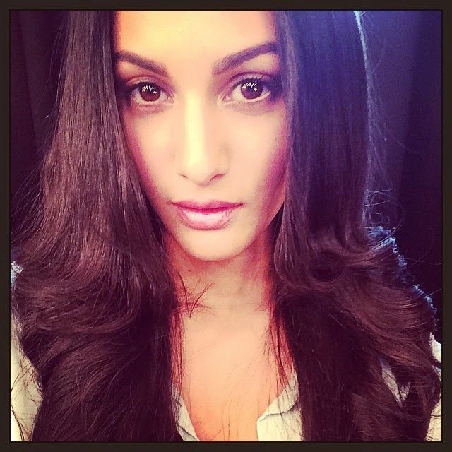 vanity insanity .... :p, Kollywood Actress Amyra Dastur Selfie Pics from Twitter, Instagram