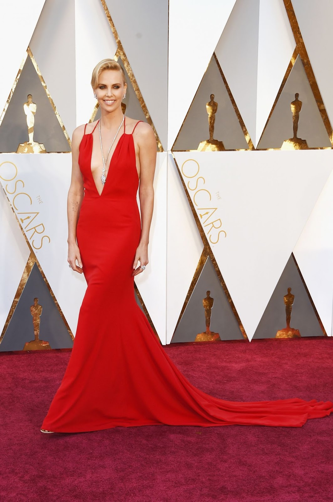 Charlize Theron is red hot at the Oscars 2016