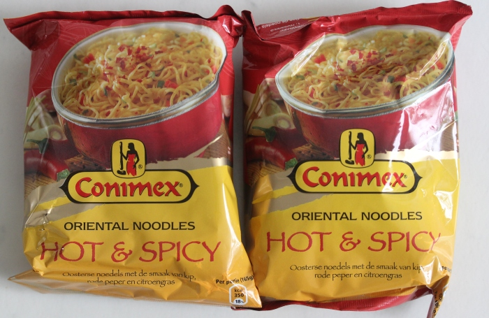conimex oriental noodles - hot & spicy