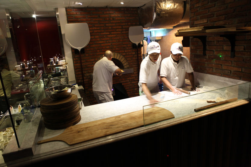 Remarkable Restaurant Open Kitchen Design 833 X 555 92 Kb Jpeg