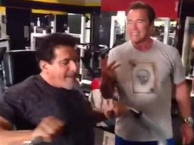 Arnold Schwarzenegger e Lou Ferrigno na Gold's Gym. Foto: Reprodução