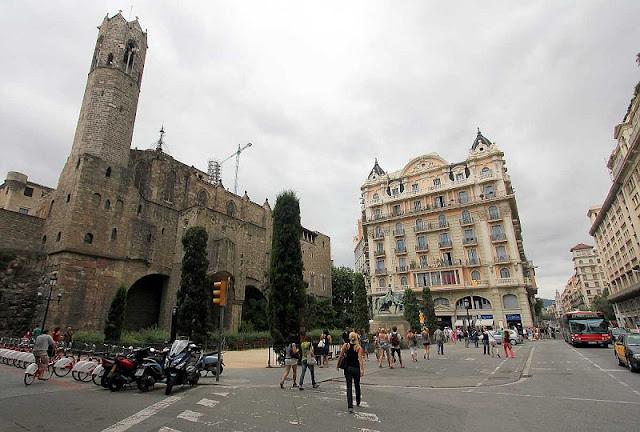 Plaça de Ramon Berenguer el Gran em Barcelona