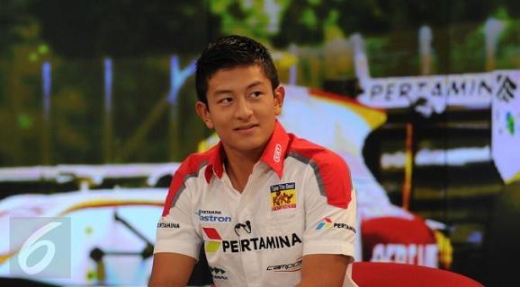 Rio Haryanto mengemis serta Sering sholat Tahajud untuk Dapat bertanding di Formula 1 (F1)