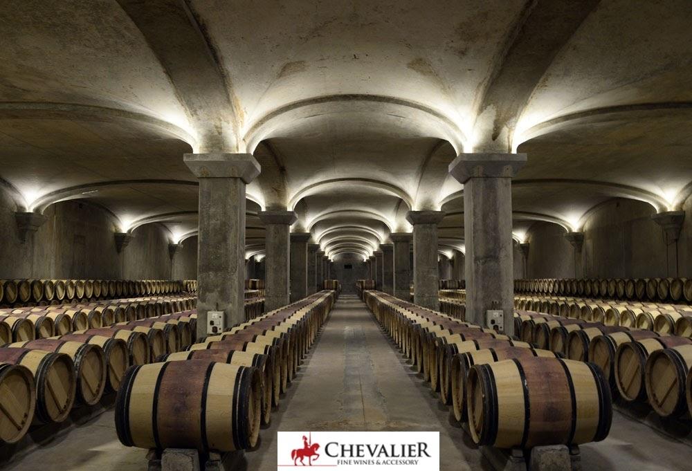 Tận mắt ngắm những chai champagne mạ vàng trong hầm rượu Pháp