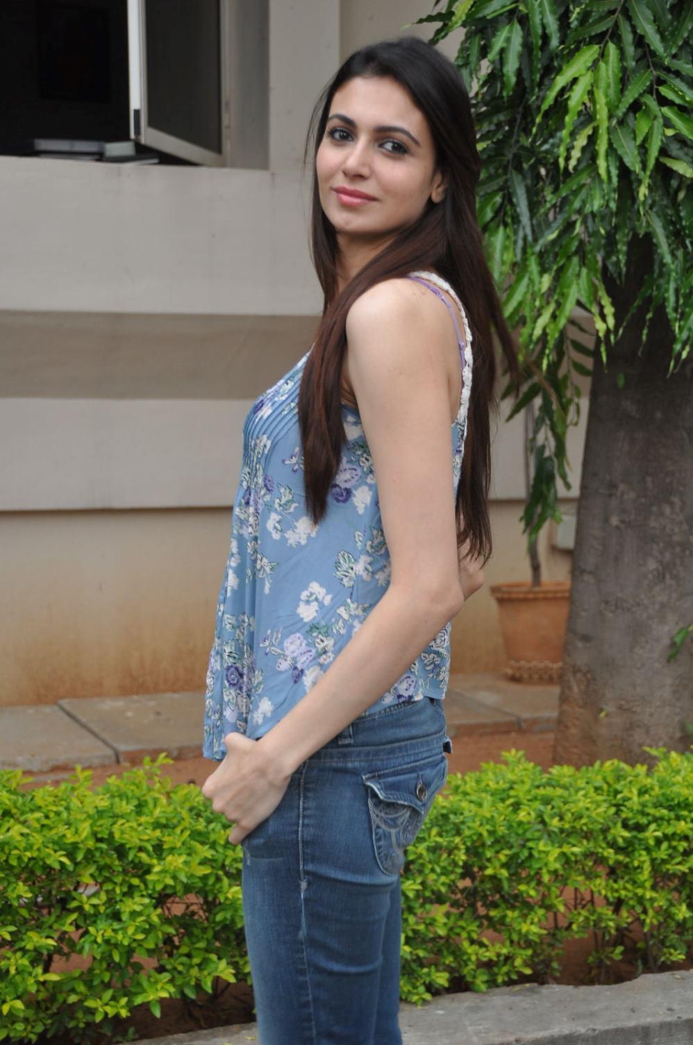 Pretty Simran kaur photo shoot at potugadu press meet