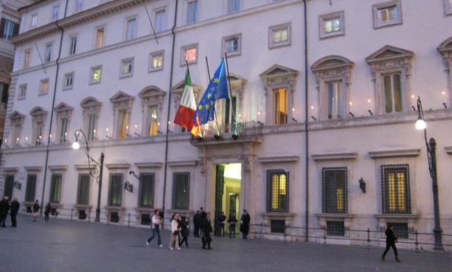 Unioni civili: Renzi, presto attuazione