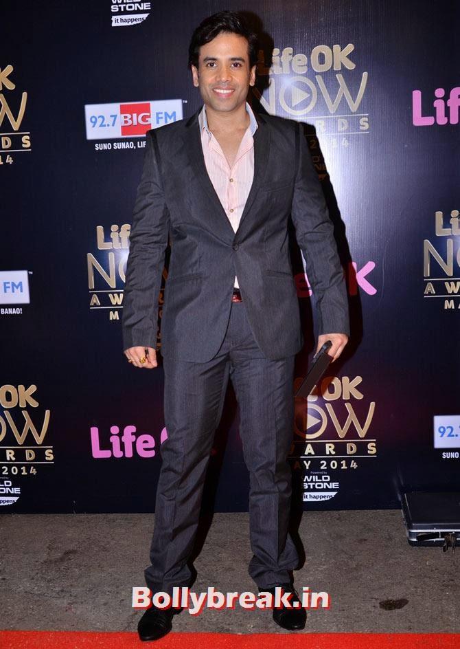 Tusshar Kapoor, Akshay, Jacqueline, Prabhu Dheva attend Life OK Awards