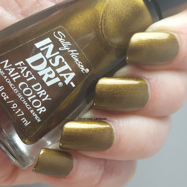 Metallic-Bronze-nail-polish-with-golden-shimmer