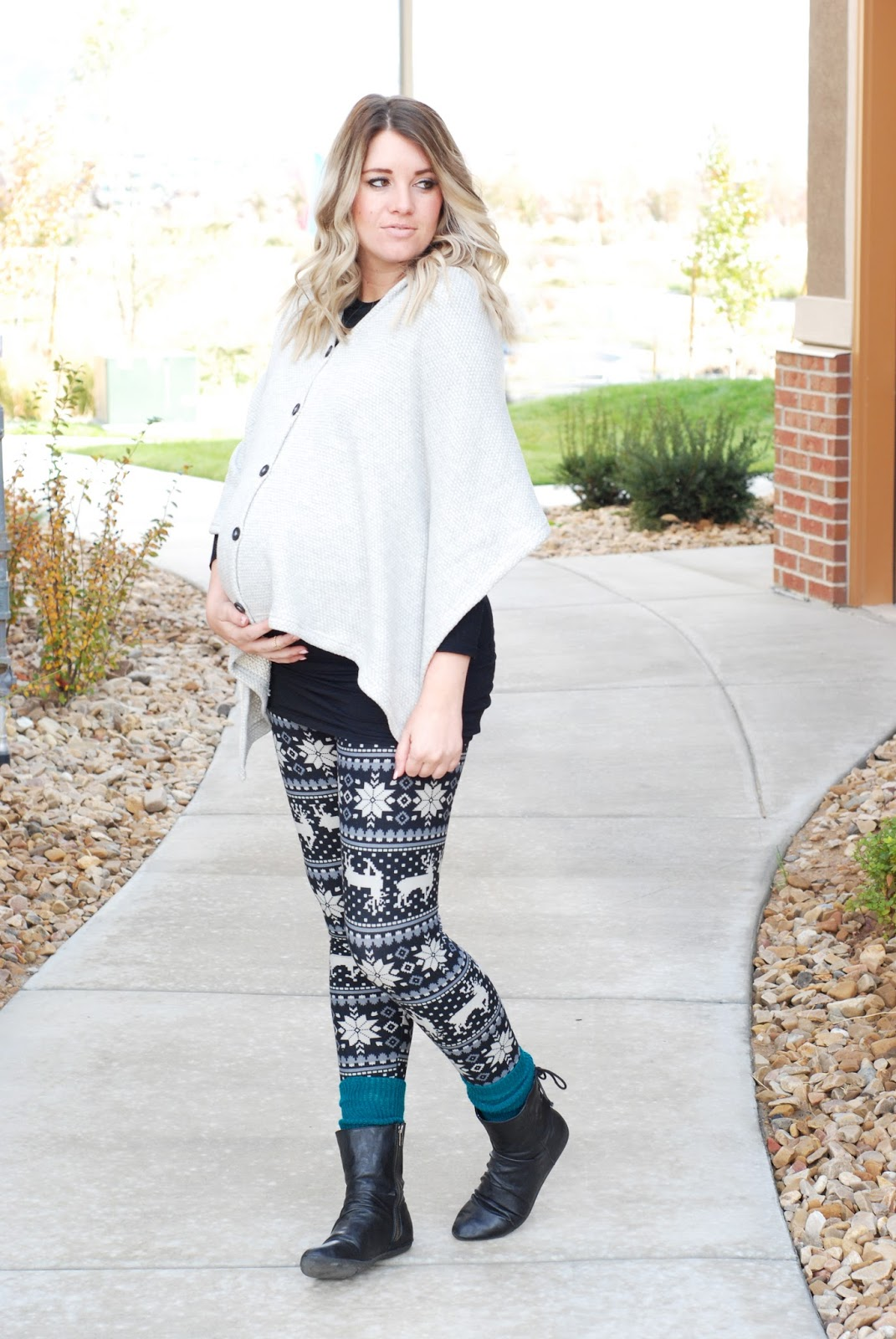 Evy's Tree, Utah Fashion Blogger, White Plum Leggings, Poncho