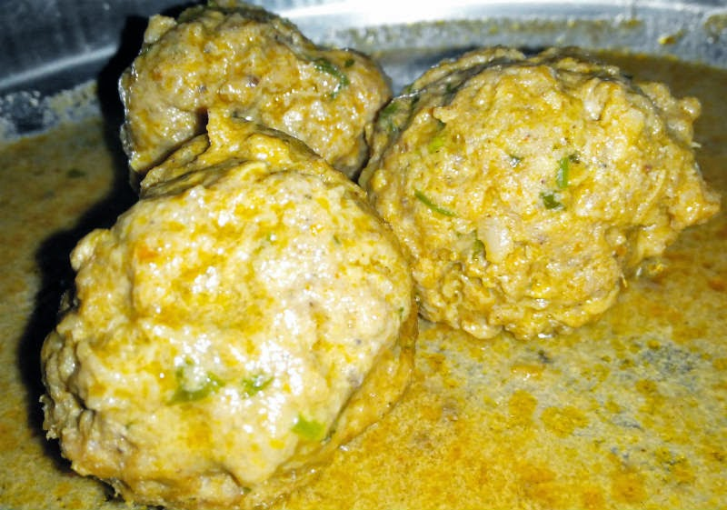 Kaima Unde Saaru (Meat Balls Curry)