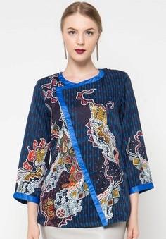 21 Model Baju Batik Wanita Terbaru Bulan Ini  cc43a8df0a