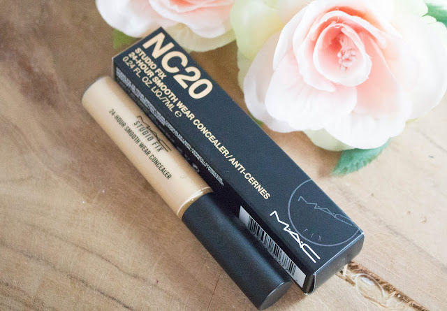 Mac Studio fix 24-Hour smooth wear concealer.