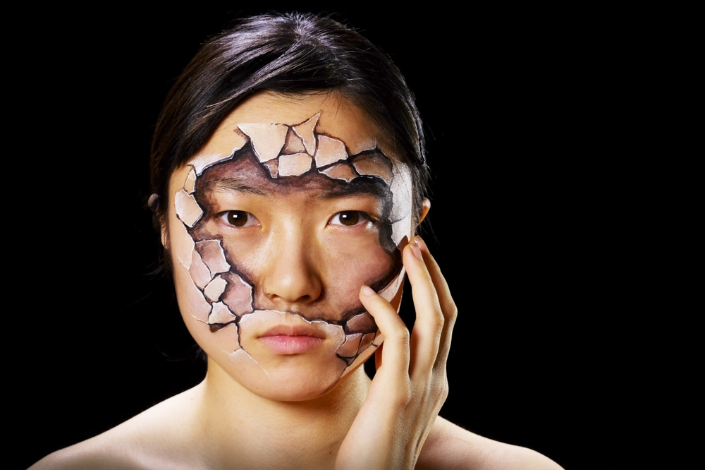 12-My-Body-My-Rights-Hikaru-Cho-チョーヒカル-Body-Painting-Her-way-Through-University-www-designstack-co