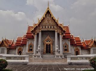 Relato de viagem à capital Bangkok e à antiga capital Ayutthaya, na Tailândia. Muitos Budas, templos, Muay-thai e Couchsurfing!