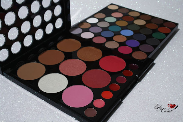 Beauty-on-the-go-palette