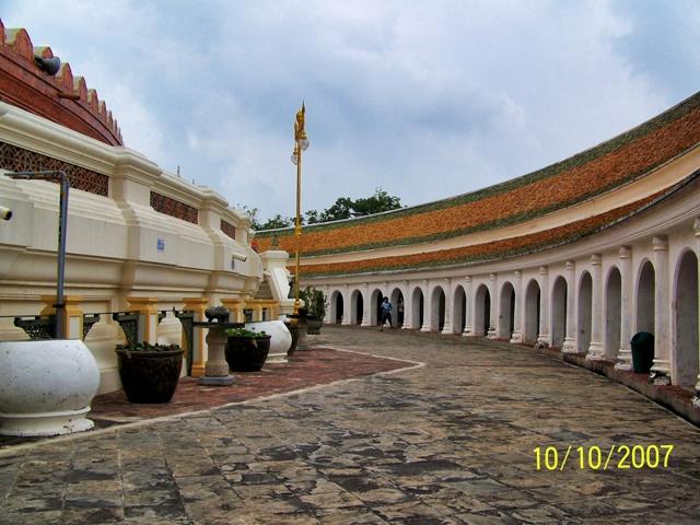 Wat Phra Pathom Chedi Ratchaworaviharn