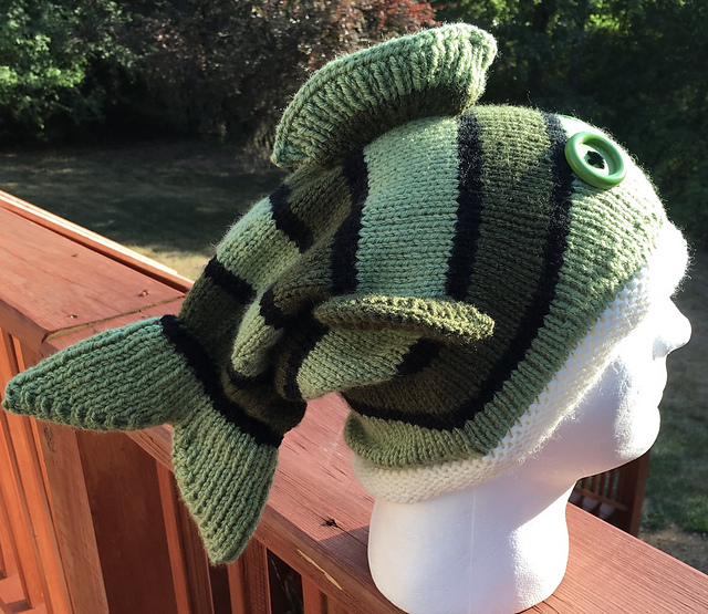 Knitting Pattern For Fish Hat : knitnscribble.com: A new fish hat pattern for Phish fans