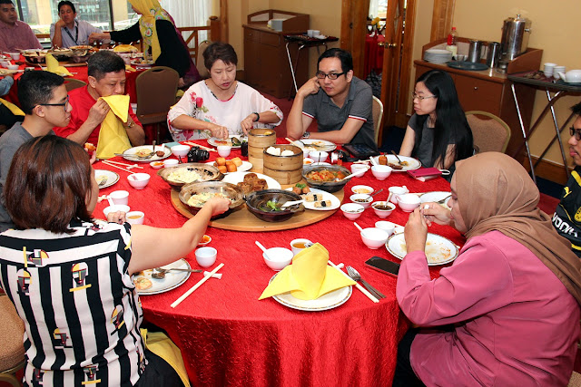 rand BlueWave Hotel Shah Alam ~ Ho Ho Chiak Dim Sum & Clay Pots At Tung Yuen Chinese Restaurant