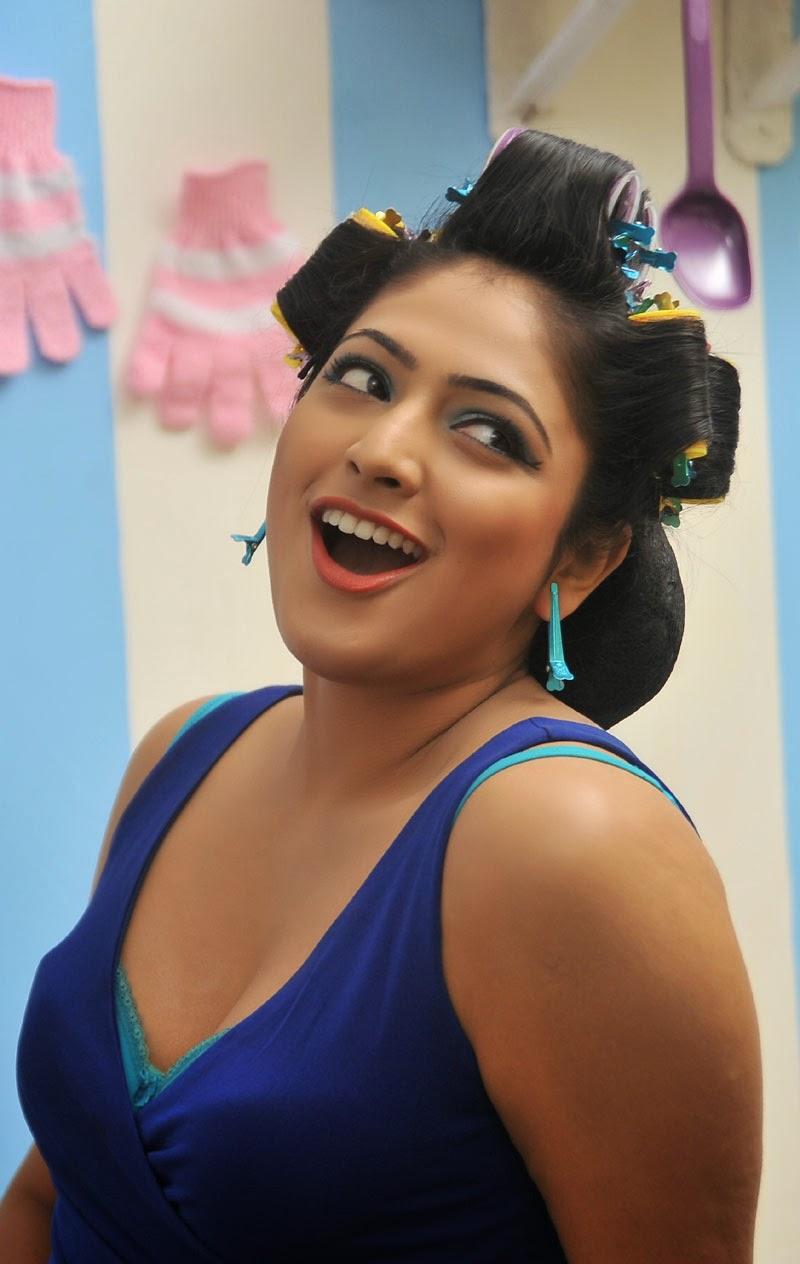 Hari Priya latest hot pictures