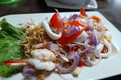 Dee Tongue Thai by Rung Mama, yum mama talay