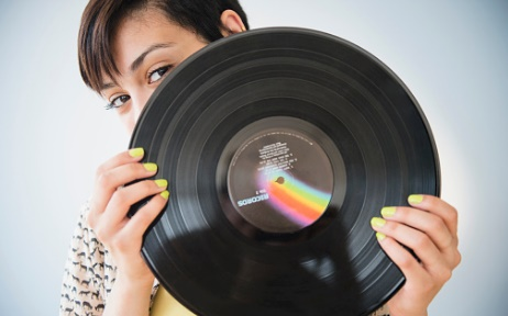 6 Reasons Why Vinyl Is Popular Again