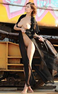 female cherry pie - Sexy Naked Girl - Suzanna A - 3