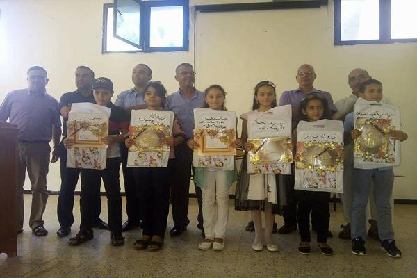 """تكريم  التلاميذ  الناجحين بإبتدائية  """"بخوخة محمد"""" بسيدي عبد الرحمان"""