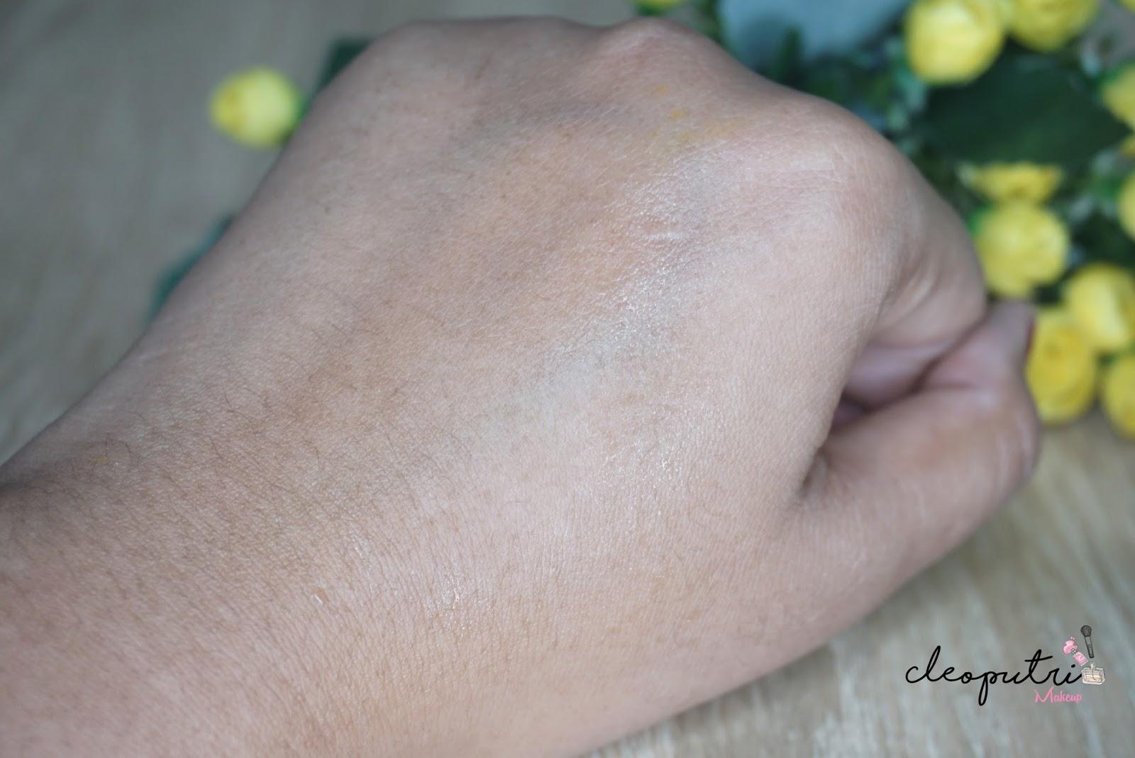 Cleoputri Makeup Indonesian Beauty Blogger Review Sensatia Botanicals Facial C Serum Dry To Normal 60 Ml Dari Segi Warna Menurut Aku Spray Nya Ini Ga Keliatan Apa Alias Bening Tau Sih Yang Suka Tuh Wanginya Oh Gosh