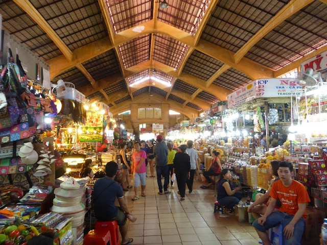 Benh Tran Market: puestos