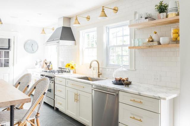 Inspiring and beautiful white modern farmhouse kitchen design via Hello Lovely Studio