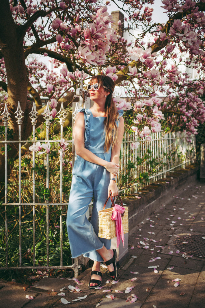 Outfit: ruffled jumpsuit and magnolias