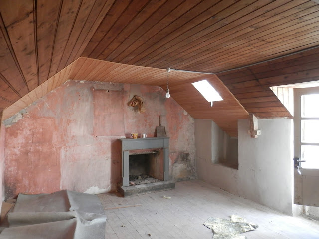 renovating a stone cottage in Huelgoat,France