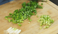 Spring-onions-for-chicken-soup