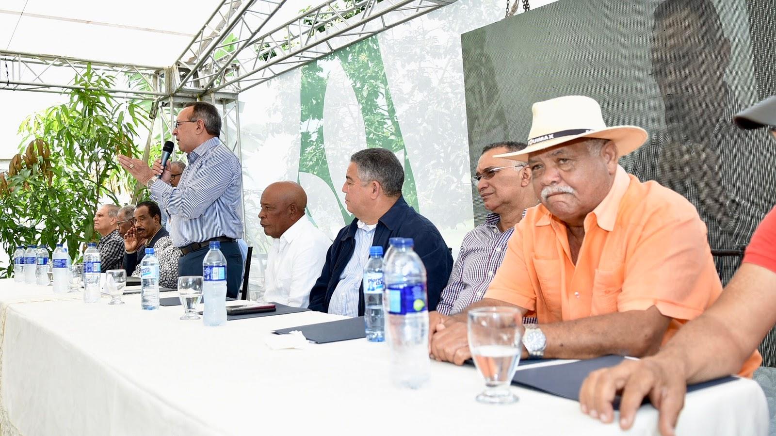 Danilo Medina recibe a presidentes de tribunales supremos de Justicia de varios países..