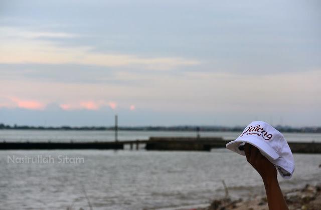Senja di sudut Pantai teluk Awur Jepara
