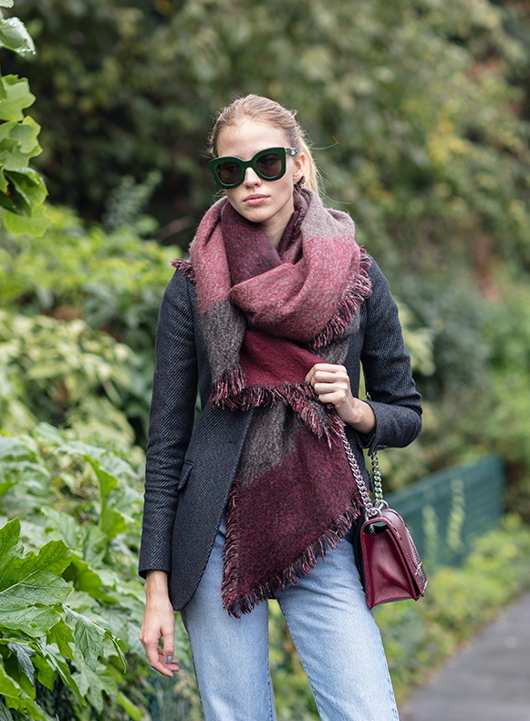 Street Style How To Wear A Chunky Scarf