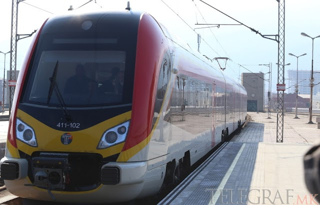 Der neue Zug im Einsatz zwischen Skopje und Veles