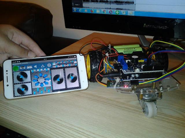 โปรเจคหุ่นยนต์ Arduino UNO + L298P บังคับด้วย Bluetooth
