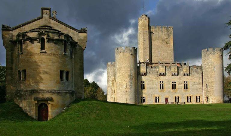 Entre guerras e reformas o castelo ficou sempre com uma mesma continuidade familiar