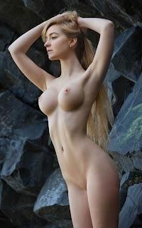 年轻的女孩们 - Sexy Naked Girl - Acacia
